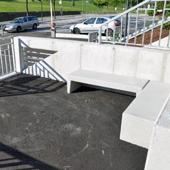 Barrierefreies Bauen in Tirol: HTL Jenbach Eingangsbereich